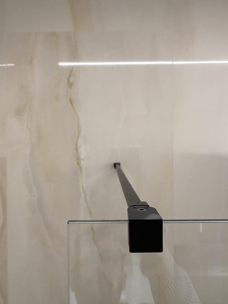 rozporka do szyby prysznicowej w kabinie walk-in