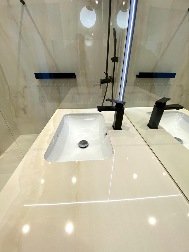 umywalka podblatowa łazienka wykończenia wnętrz